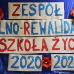 Zdjęcie dekoracji z nową nazwą placówki.