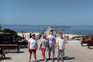 Zdjęcie grupowe uczniów - uczestników wyjazdu.