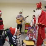 Mikołaj podczas odwiedzin w jednej z grup Ośrodka Rewalidacyjno - Wychowawczego naszego zespołu.
