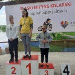 Zawodnicy kolarstwa na podium.